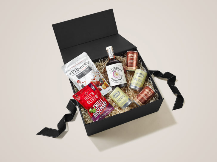 Damson 12 accompanies with Franklin Sons tonics make a fun Pre-Drinks Christmas Hamper
